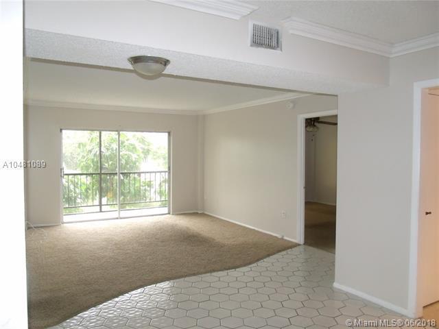 4174 Inverrary Dr #203, Lauderhill, FL 33319 (MLS #A10481089) :: Green Realty Properties