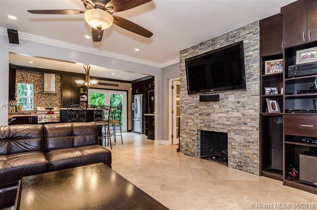 421 NE 10th Ave, Fort Lauderdale, FL 33301 (MLS #A10481382) :: Calibre International Realty