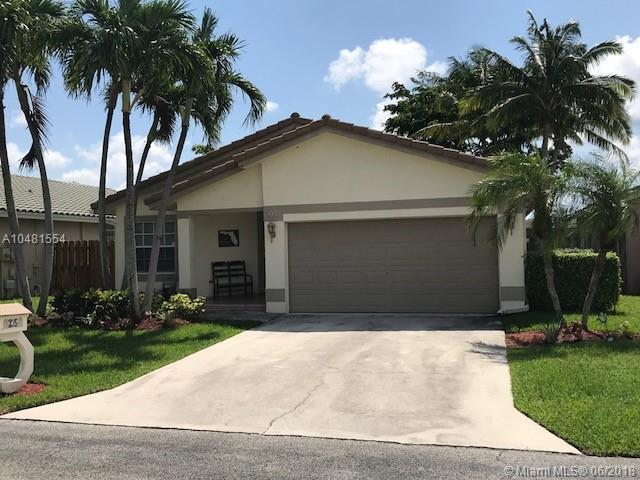 235 NW 40th Ave, Delray Beach, FL 33445 (MLS #A10481554) :: Green Realty Properties