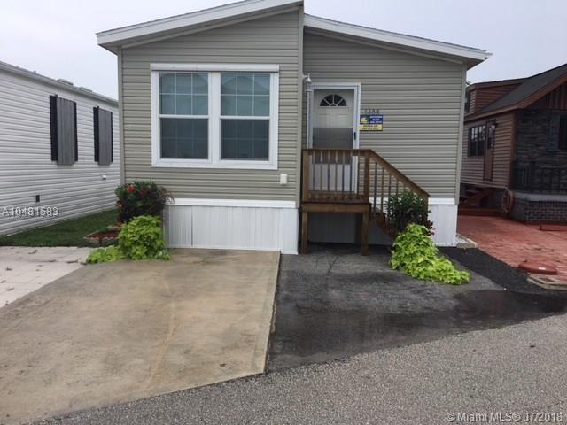 1408 Nettles Blvd, Jensen Beach, FL 34957 (MLS #A10481583) :: Green Realty Properties