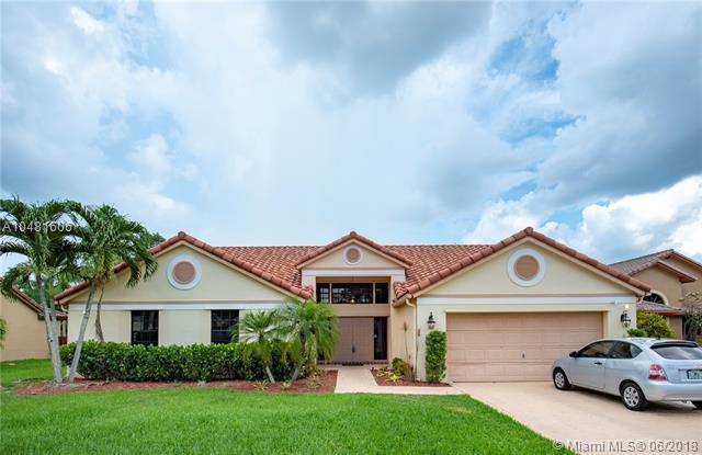 3210 Rosewood Ct, Davie, FL 33328 (MLS #A10481606) :: Green Realty Properties