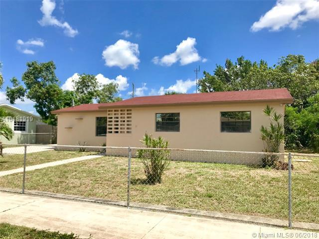 961 NW 201st St, Miami Gardens, FL 33169 (MLS #A10481919) :: Calibre International Realty