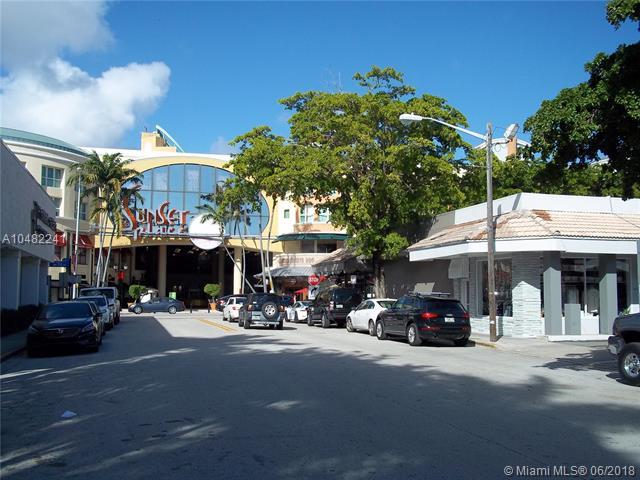7229 SW 57 CT, South Miami, FL 33143 (MLS #A10482241) :: Green Realty Properties