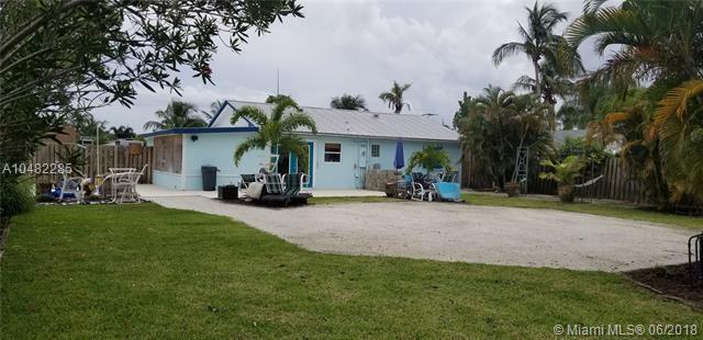 6471 SE Sherwood St, Hobe Sound, FL 33455 (MLS #A10482285) :: Calibre International Realty