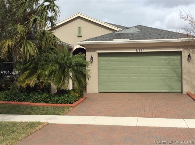11821 SW Crestwood Cir, Port St. Lucie, FL 34987 (MLS #A10482287) :: Green Realty Properties
