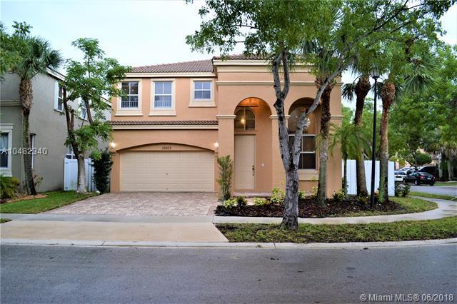 15803 SW 48th Pl, Miramar, FL 33027 (MLS #A10482340) :: Green Realty Properties