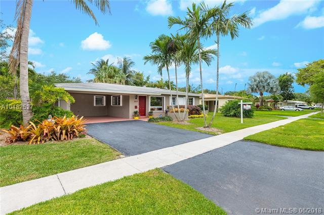 307 S 57th Ave, Hollywood, FL 33023 (MLS #A10482527) :: Green Realty Properties