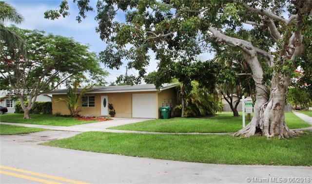 18770 Belview Dr, Cutler Bay, FL 33157 (MLS #A10482662) :: Calibre International Realty