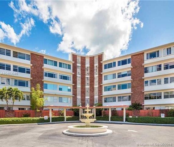 1700 NE 105th St #305, Miami Shores, FL 33138 (MLS #A10483046) :: Calibre International Realty