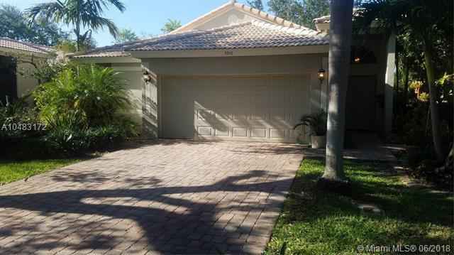 3945 Sea Grape Cir, Delray Beach, FL 33445 (MLS #A10483172) :: The Teri Arbogast Team at Keller Williams Partners SW