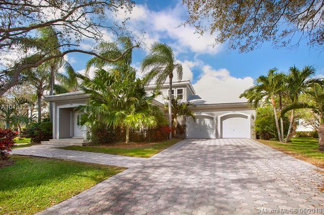 6373 SW 87th Ln, Pinecrest, FL 33143 (MLS #A10483234) :: The Riley Smith Group