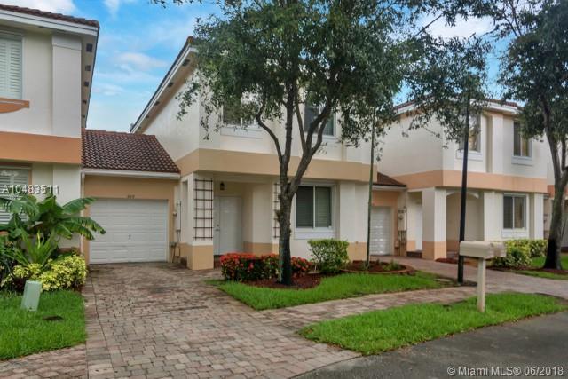 6615 Hidden Cove Dr 2-8, Davie, FL 33314 (MLS #A10483511) :: The Riley Smith Group