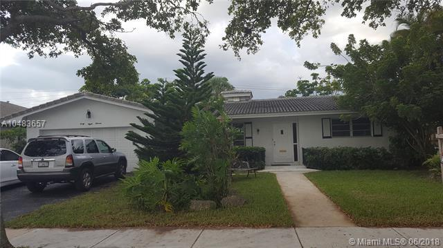 4811 Harrison St, Hollywood, FL 33021 (MLS #A10483657) :: Calibre International Realty