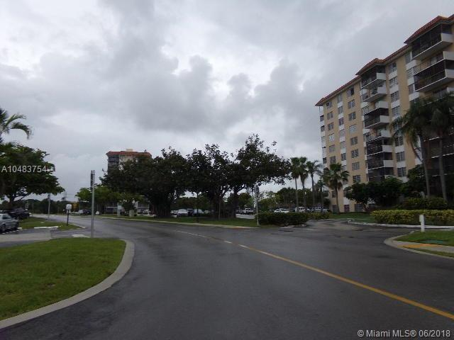 4158 Inverrary Dr #308, Lauderhill, FL 33319 (MLS #A10483754) :: Green Realty Properties