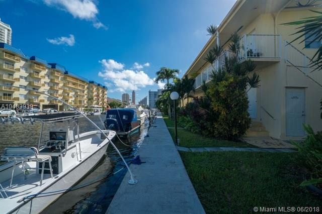 3741 NE 170th St #1, North Miami Beach, FL 33160 (MLS #A10483939) :: The Riley Smith Group