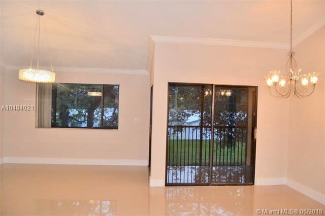 8138 NW 15th Mnr #8138, Plantation, FL 33322 (MLS #A10484021) :: Green Realty Properties
