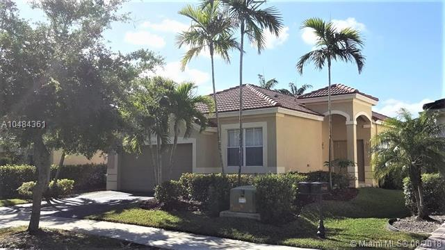 1904 Aspen Ln, Weston, FL 33327 (MLS #A10484361) :: The Teri Arbogast Team at Keller Williams Partners SW