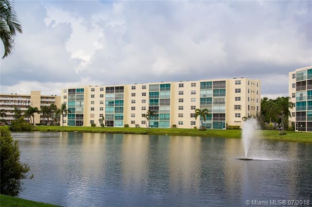 111 SE 3rd Ave #105, Dania Beach, FL 33004 (MLS #A10484614) :: The Teri Arbogast Team at Keller Williams Partners SW
