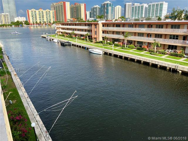 3944 NE 167th St #408, North Miami Beach, FL 33160 (MLS #A10484615) :: The Riley Smith Group
