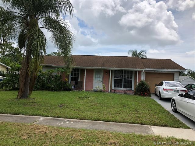 329 NE Cullman Ct, Port St. Lucie, FL 34983 (MLS #A10484754) :: Green Realty Properties