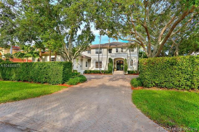 128 Paloma Dr, Coral Gables, FL 33143 (MLS #A10484975) :: The Riley Smith Group