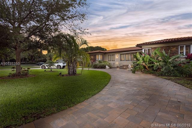 1113 NE 98th St, Miami Shores, FL 33138 (MLS #A10485350) :: Calibre International Realty