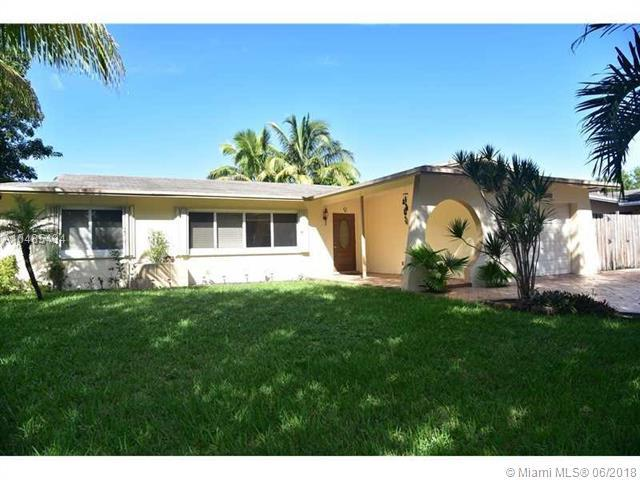 1750 NW 106th Ter, Pembroke Pines, FL 33026 (MLS #A10485434) :: The Teri Arbogast Team at Keller Williams Partners SW