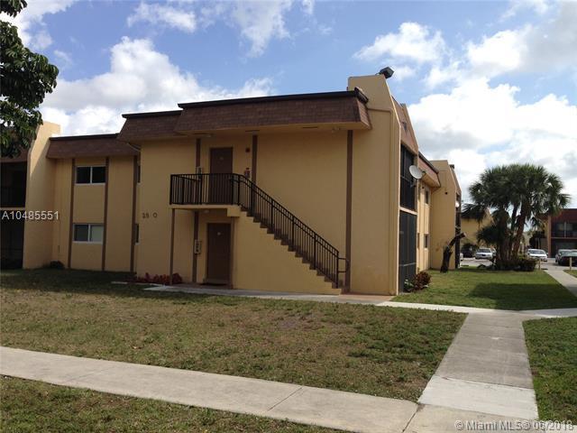 2834 NW 55th Ave 2A, Lauderhill, FL 33313 (MLS #A10485551) :: Calibre International Realty