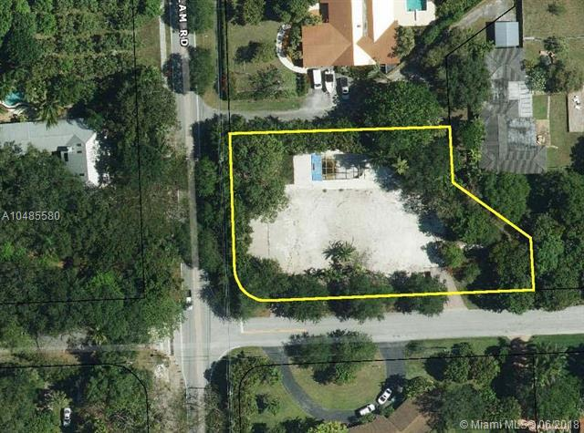 6685 SW 94th St, Pinecrest, FL 33156 (MLS #A10485580) :: The Riley Smith Group