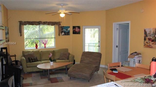 6001 SW 70th St #306, South Miami, FL 33143 (MLS #A10485904) :: Stanley Rosen Group
