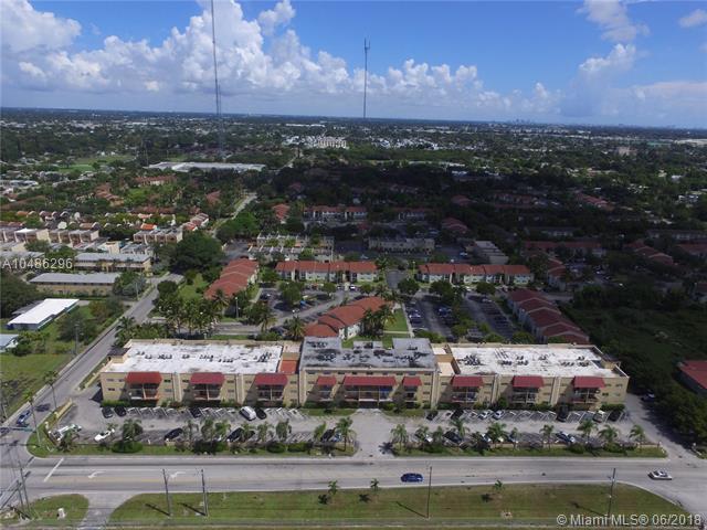 5100 SW 41st St #228, Pembroke Park, FL 33023 (MLS #A10486296) :: The Riley Smith Group