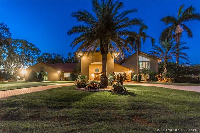 11501 NW 18th Ct, Plantation, FL 33323 (MLS #A10486429) :: The Teri Arbogast Team at Keller Williams Partners SW