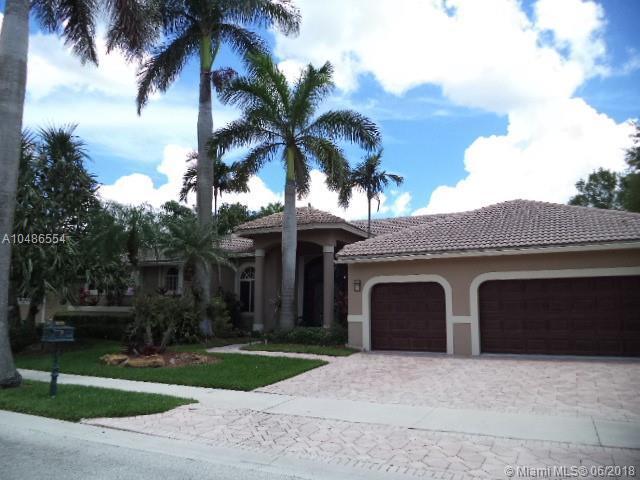 2579 Mayfair Ln, Weston, FL 33327 (MLS #A10486554) :: Green Realty Properties