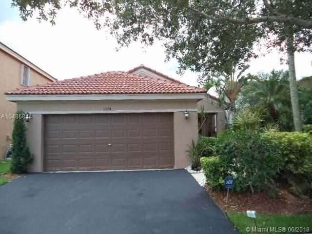 1324 Plumosa Way, Weston, FL 33327 (MLS #A10486844) :: Laurie Finkelstein Reader Team