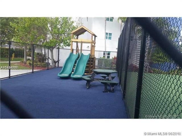 14951 Royal Oaks Ln #203, North Miami, FL 33181 (MLS #A10486860) :: Calibre International Realty