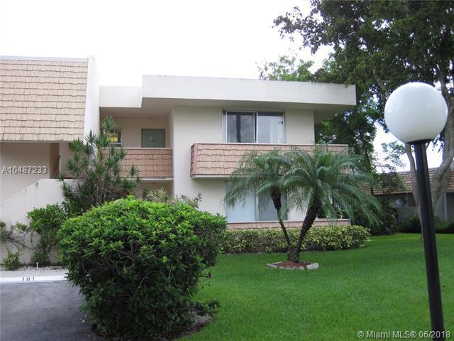4017 N Cypress Dr #201, Pompano Beach, FL 33069 (MLS #A10487233) :: Calibre International Realty