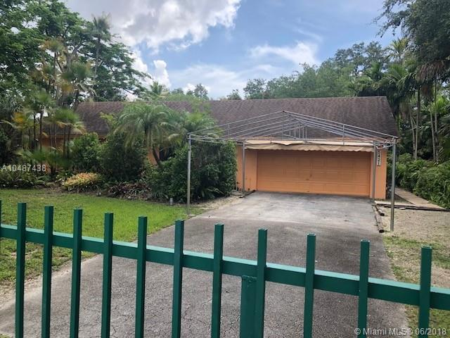 5421 SW 63rd Ct, South Miami, FL 33155 (MLS #A10487438) :: Hergenrother Realty Group Miami