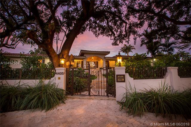 4405 Granada Bl, Coral Gables, FL 33146 (MLS #A10487557) :: The Riley Smith Group