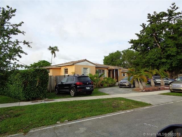 3220 SW 18th St, Miami, FL 33145 (MLS #A10487631) :: The Riley Smith Group