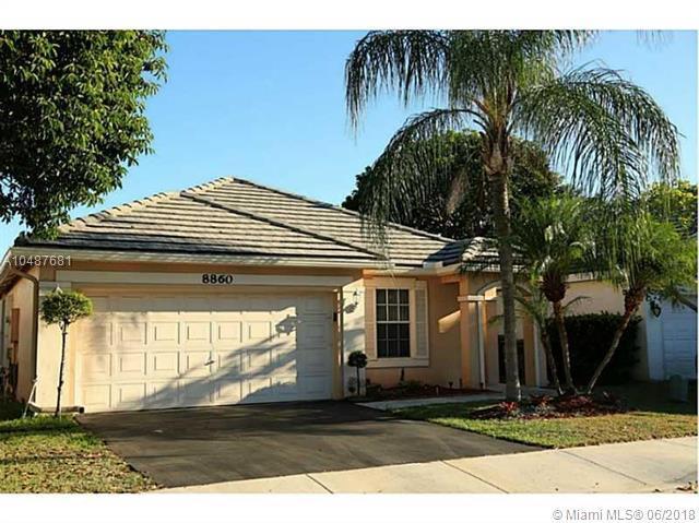 8860 N Lake Park Cir N, Davie, FL 33328 (MLS #A10487681) :: Calibre International Realty