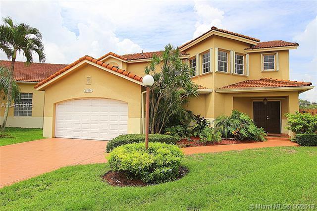 15656 SW 111th Ter, Miami, FL 33196 (MLS #A10487685) :: Calibre International Realty