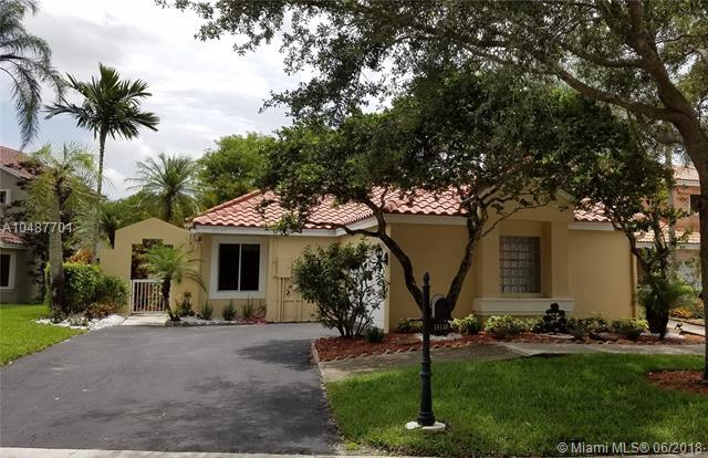 10140 Nw 5th Street, Plantation, FL 33324 (MLS #A10487701) :: Calibre International Realty