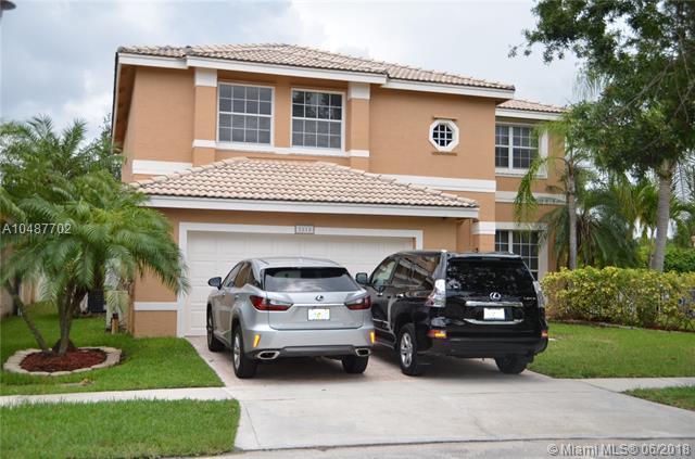 2818 SW 177th Ave, Miramar, FL 33029 (MLS #A10487702) :: Green Realty Properties