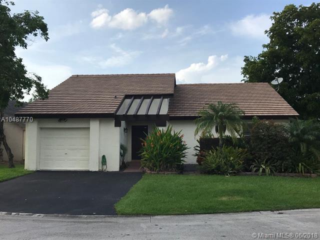 1961 Sacramento, Weston, FL 33326 (MLS #A10487770) :: Green Realty Properties