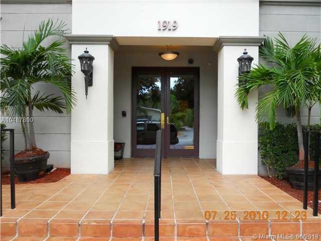 1919 Van Buren St 614A, Hollywood, FL 33020 (MLS #A10487800) :: Prestige Realty Group