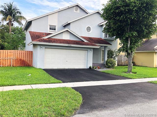 9730 SW 14th Ct, Pembroke Pines, FL 33025 (MLS #A10487825) :: Melissa Miller Group