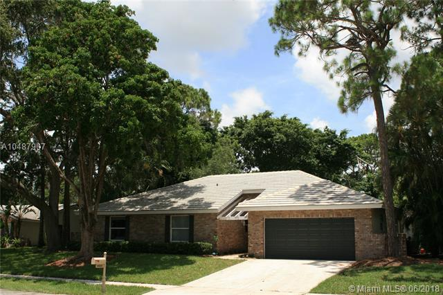 2623 NW Timbercreek Cir, Boca Raton, FL 33431 (MLS #A10487907) :: Green Realty Properties
