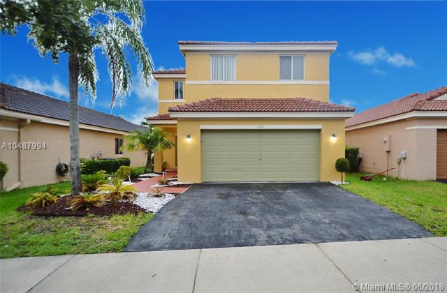 1220 Majesty Ter, Weston, FL 33327 (MLS #A10487994) :: The Teri Arbogast Team at Keller Williams Partners SW