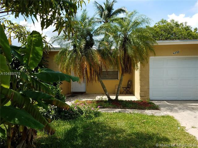 6250 SW 9th St, North Lauderdale, FL 33068 (MLS #A10488079) :: Calibre International Realty