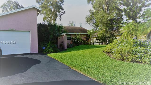 11821 NW 27th Ct, Plantation, FL 33323 (MLS #A10488152) :: Melissa Miller Group